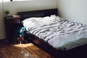 bedroom-405920_960_720